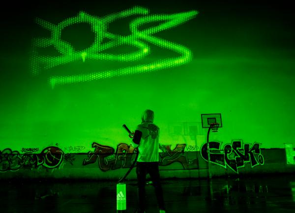 Adidas Spraypainter